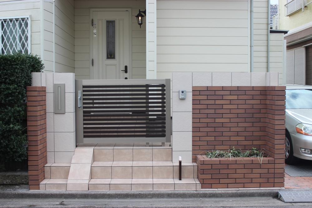既存の形を生かした玄関リフォーム