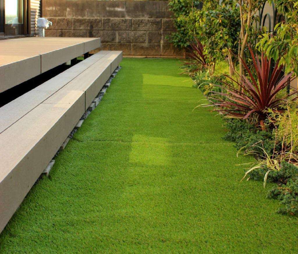除草シートを施した人工芝