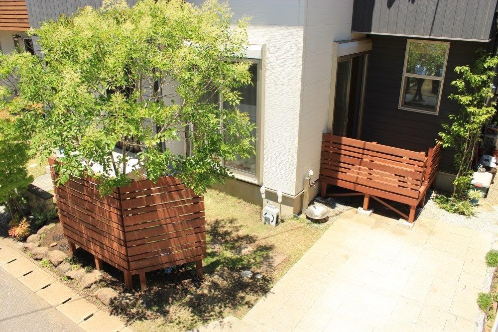 千葉市にてウリン材のウッドデッキと目隠しフェンスを使用した庭リフォーム