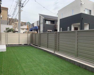 完全目隠しで上質な仕上がり感のフェンス設置|千葉県印西市のU様邸にて外構工事